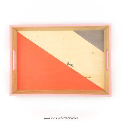 bandeja-triangulos-gris-y-coral