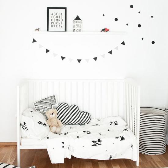 Habitación infantil blanco y negro